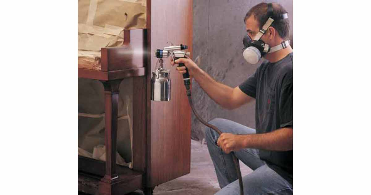 verniciatura a spruzzo manuale